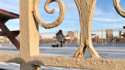 urban city fences lifestyle leisure