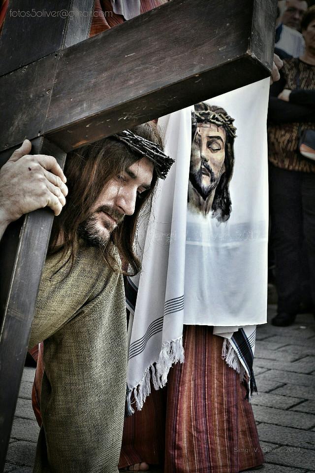 Setmana Santa Marinera de València / Via Crucis on Holy Friday - Maritime Holy Week (València, Spain).   #photography #people #streetphotography #holyweek #setmanasantamarinera #semanasanta #viacrucis #valencia