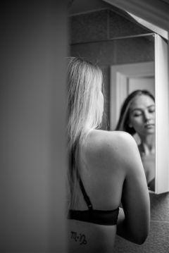 blackandwhite mirror people